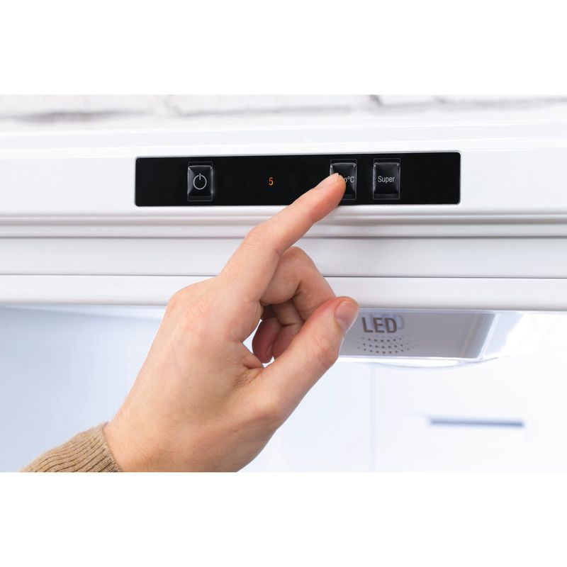 Hotpoint-Fridge-Freezer-Free-standing-XEX95-T1I-WZ-White-2-doors-Lifestyle-people
