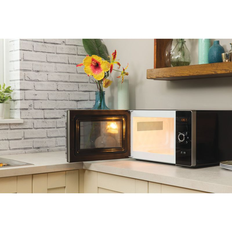 Hotpoint-Microwave-Free-standing-MWH-2521-B-UK-Black-Electronic-25-MW-only-700-Lifestyle_Perspective_Open