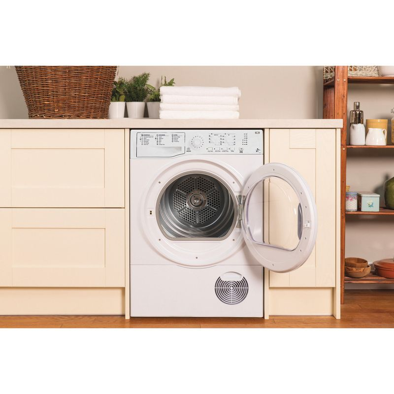 Hotpoint-Dryer-FTCL-871-GP--UK--White-Lifestyle_Frontal_Open