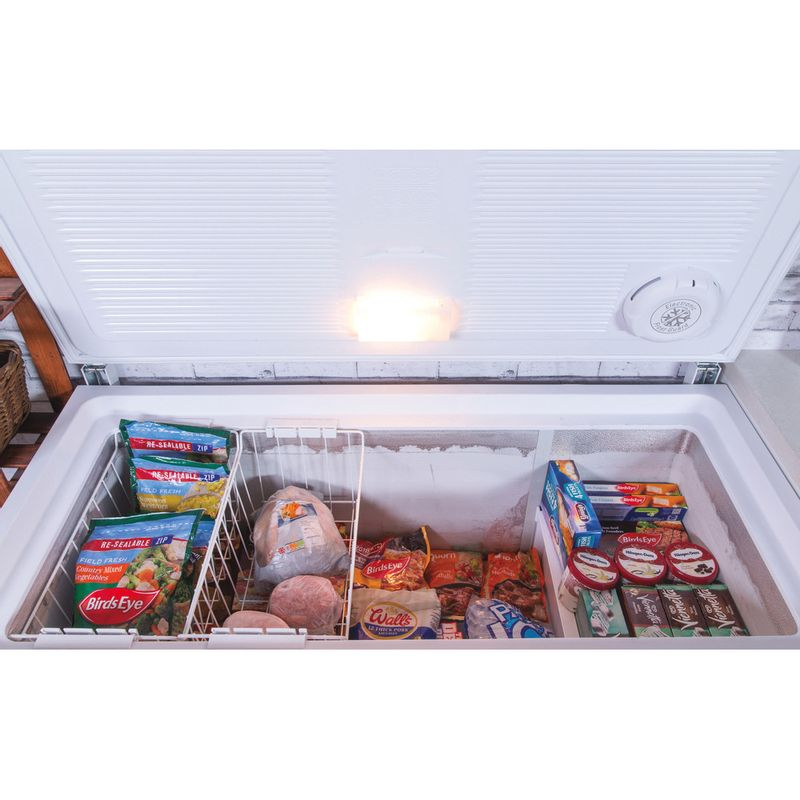 Hotpoint-Freezer-Free-standing-CS1A-400-FM-H--UK--White-Frontal_Open