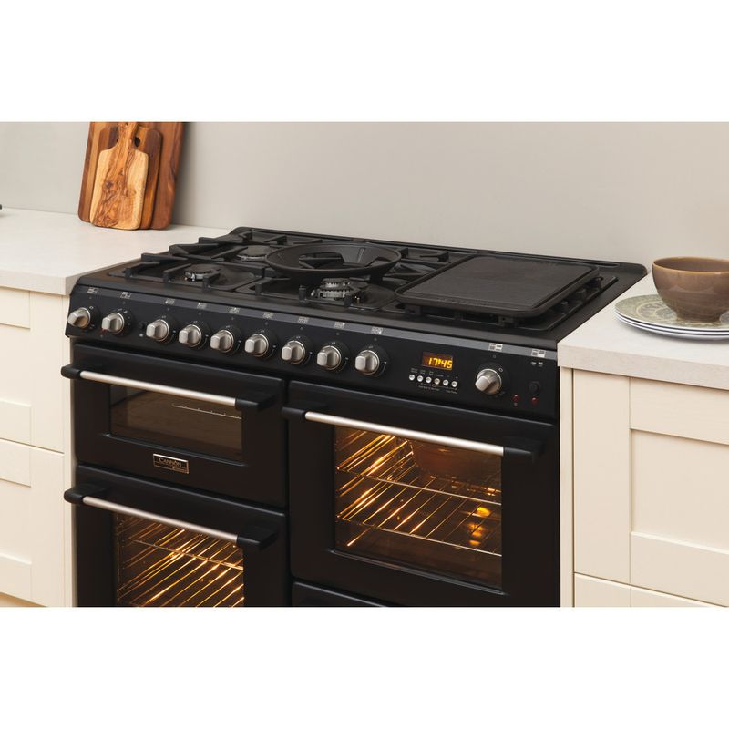 Hotpoint-Double-Cooker-CH10456GF-S-Antracite-B-Enamelled-Sheetmetal-Lifestyle_Perspective