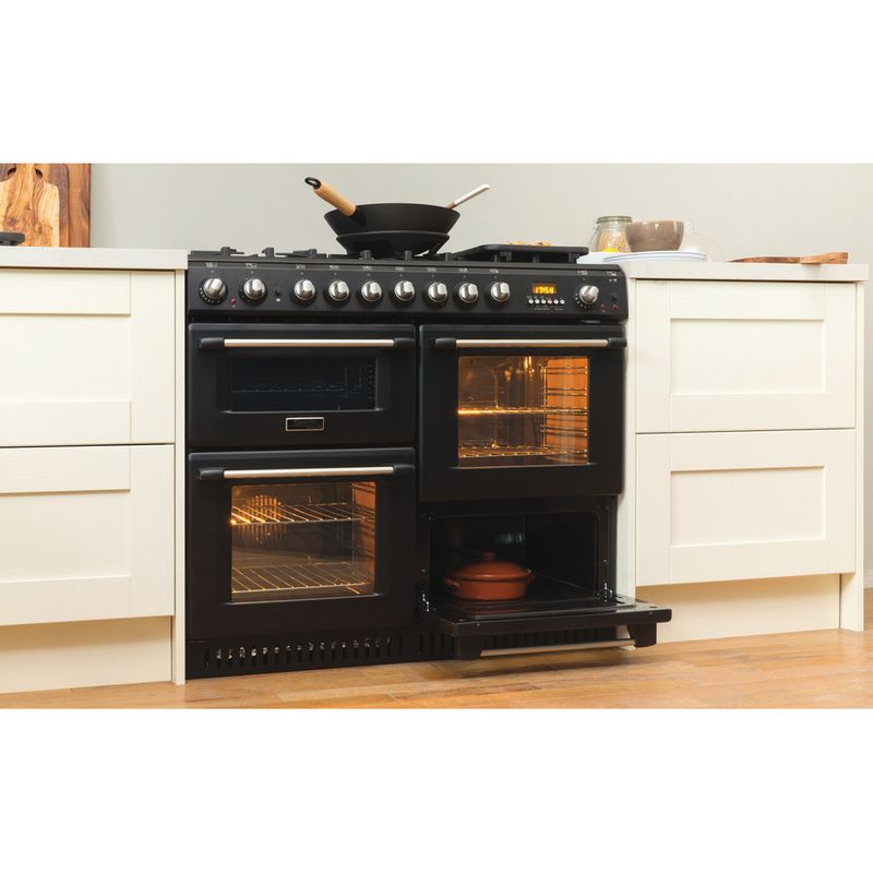 Hotpoint-Double-Cooker-CH10456GF-S-Antracite-B-Enamelled-Sheetmetal-Lifestyle_Perspective_Open