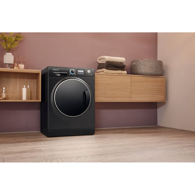 Hotpoint-Washing-machine-Free-standing-RZ-1066-B-UK-Black-Front-loader-A----Lifestyle_Perspective