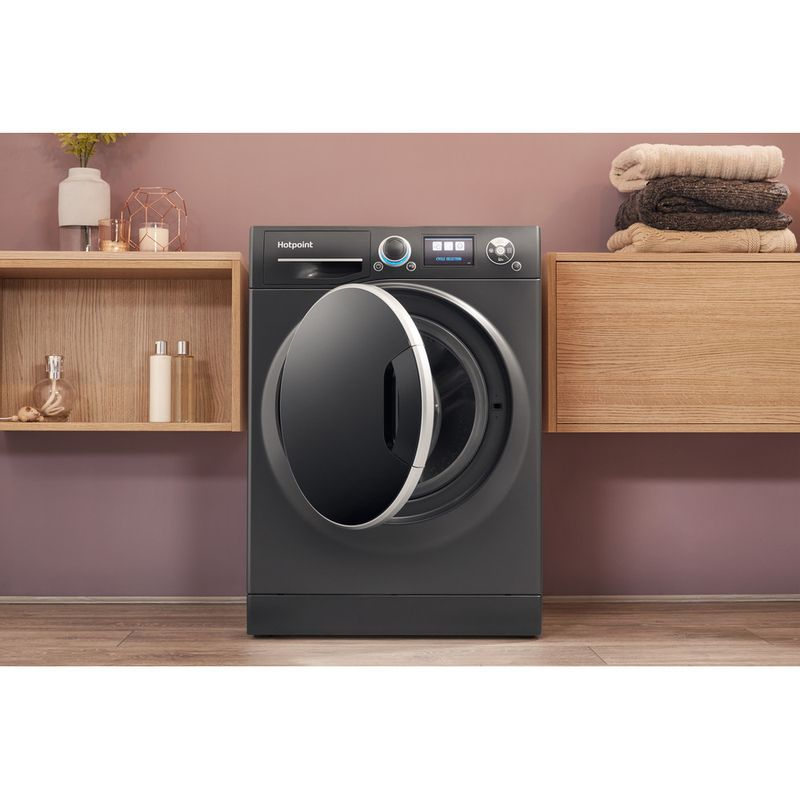 Hotpoint-Washing-machine-Free-standing-RZ-1066-B-UK-Black-Front-loader-A----Lifestyle_Frontal_Open