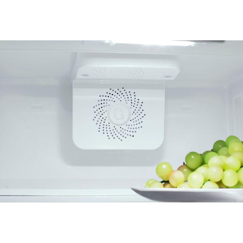 Hotpoint-Fridge-Freezer-Built-in-HM-7030-E-C-AA-O3-Steel-2-doors-Lifestyle-detail