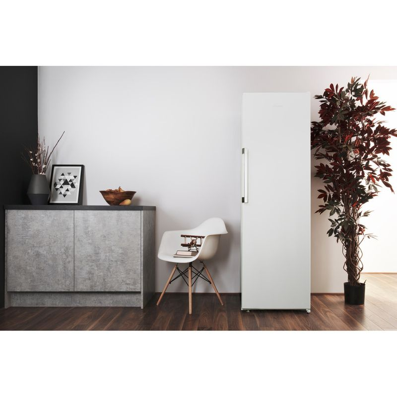Hotpoint-Refrigerator-Free-standing-SH8-1Q-WRFD-UK-Global-white-Lifestyle-frontal