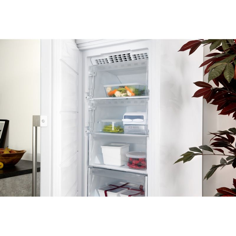 Hotpoint-Freezer-Free-standing-UH8-F1C-W-UK-Global-white-Perspective-open