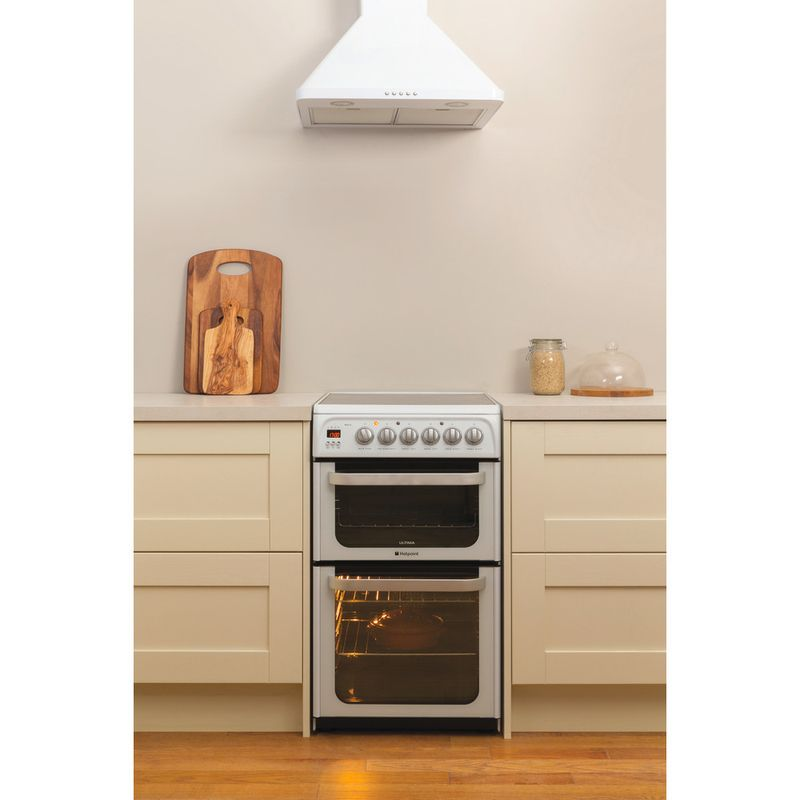 Hotpoint-Double-Cooker-HUE53P-S-White-A-Vitroceramic-Lifestyle_Frontal