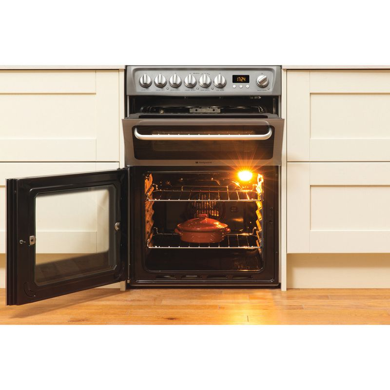 Hotpoint-Double-Cooker-DSC60S-S.1-Silver-B-Vitroceramic-Lifestyle_Frontal_Open