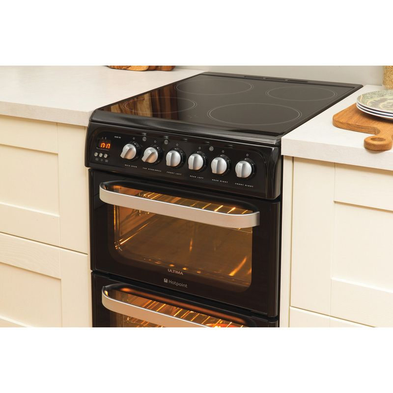 Hotpoint-Double-Cooker-HUE52K-S.0-Black-A-Vitroceramic-Lifestyle-perspective
