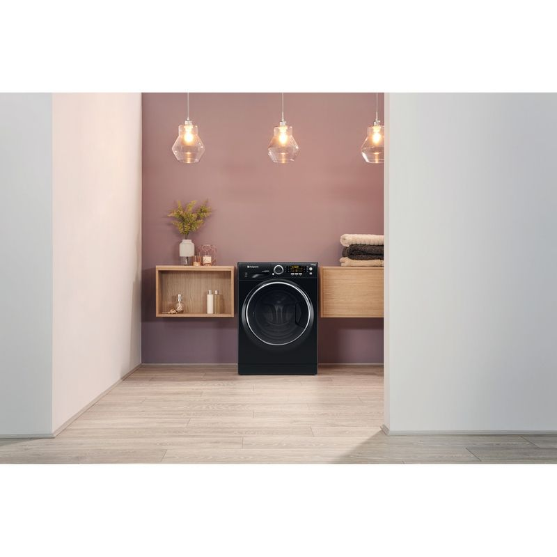 Hotpoint-Washer-dryer-Free-standing-RD-966-JKD-UK-Black-Front-loader-Lifestyle_Frontal