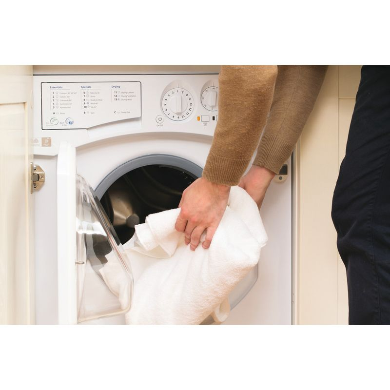Hotpoint-Washer-dryer-Built-in-BHWD-129--UK--1-White-Front-loader-Lifestyle_People