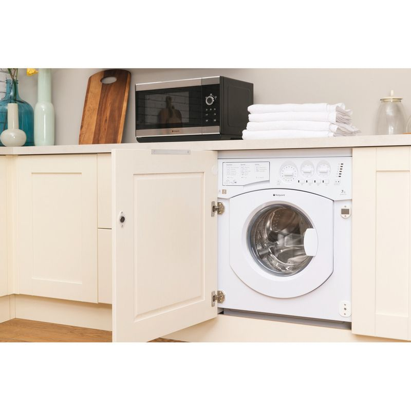 Hotpoint-Washer-dryer-Built-in-BHWD-149--UK--1-White-Front-loader-Lifestyle_Perspective