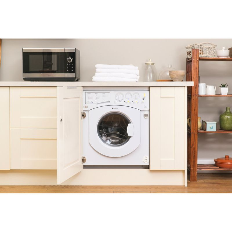 Hotpoint-Washer-dryer-Built-in-BHWD-149--UK--1-White-Front-loader-Lifestyle_Frontal