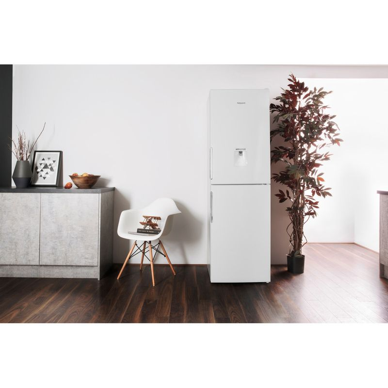 Hotpoint-Fridge-Freezer-Free-standing-LAL85-FF1I-W-WTD-White-2-doors-Lifestyle-frontal