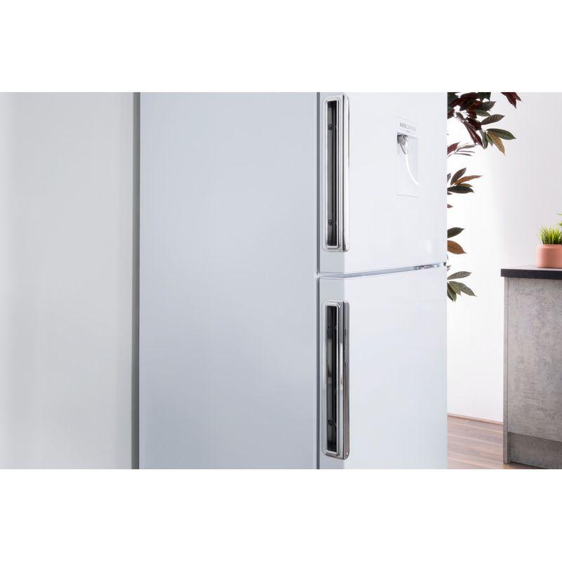Hotpoint-Fridge-Freezer-Free-standing-LAL85-FF1I-W-WTD-White-2-doors-Lifestyle-detail