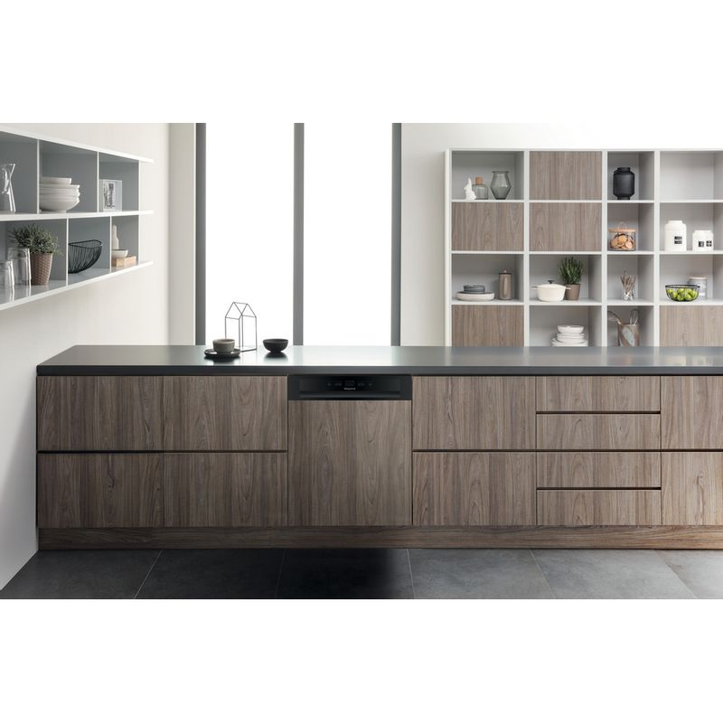Hotpoint-Dishwasher-Built-in-HBC-2B19-UK-Half-integrated-A-Lifestyle-frontal
