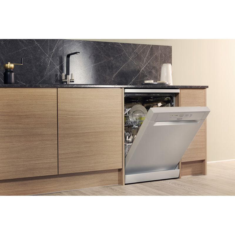 Hotpoint-Dishwasher-Free-standing-HFC-2B19-SV-UK-Free-standing-A-Lifestyle_Perspective_Open
