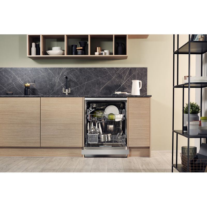 Hotpoint-Dishwasher-Free-standing-HFC-2B19-SV-UK-Free-standing-A-Lifestyle_Frontal_Open