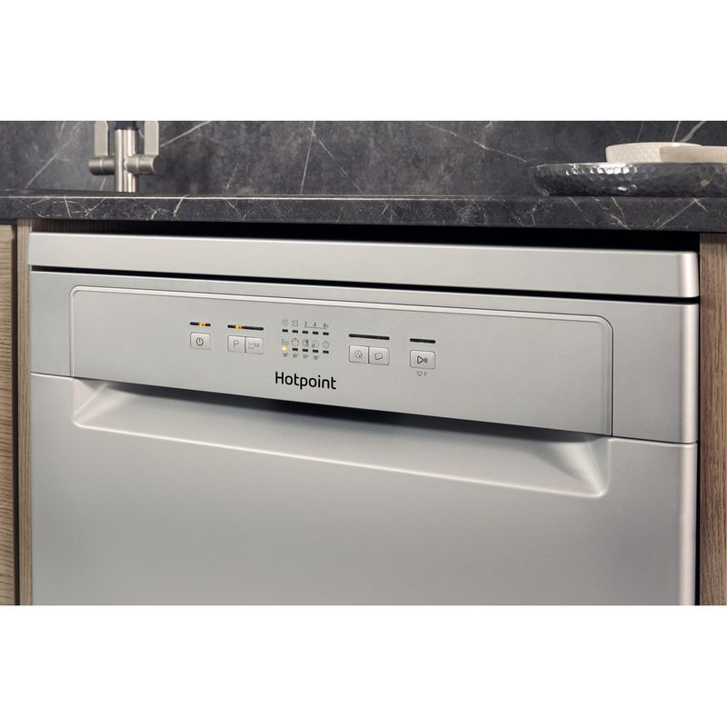 Hotpoint-Dishwasher-Free-standing-HFC-2B19-SV-UK-Free-standing-A-Lifestyle_Control_Panel
