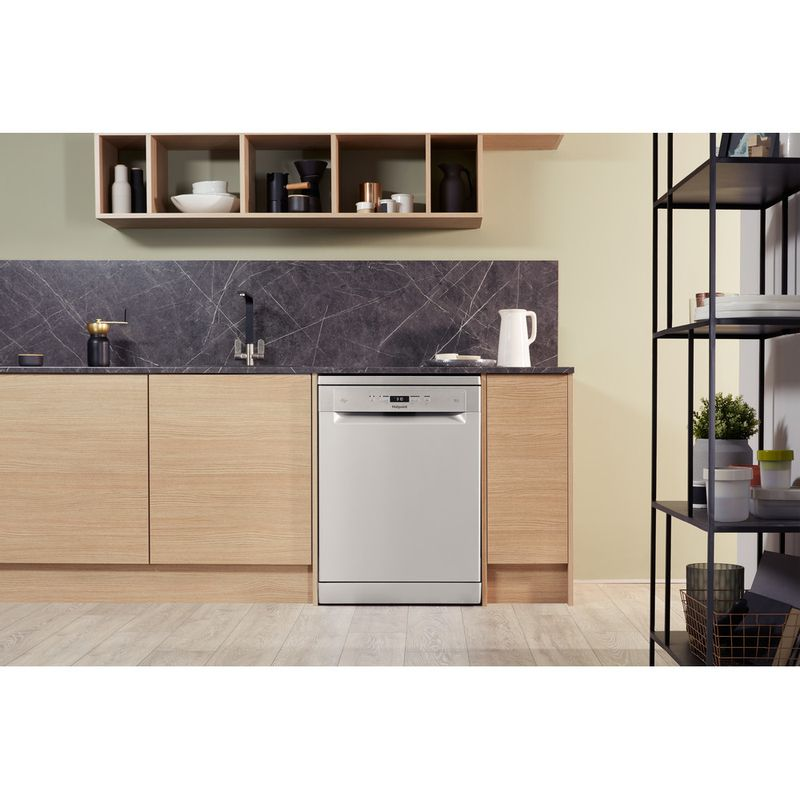 Hotpoint-Dishwasher-Free-standing-HFC-3C26-W-SV-UK-Free-standing-A-Lifestyle_Frontal