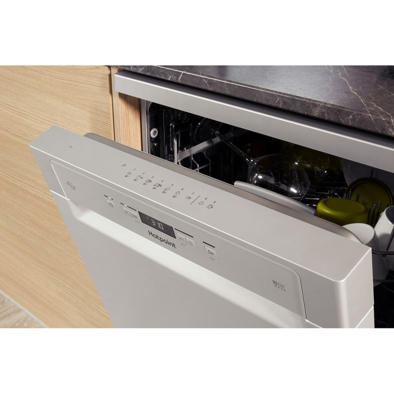 Hotpoint-Dishwasher-Free-standing-HFC-3C26-W-SV-UK-Free-standing-A-Lifestyle_Control_Panel