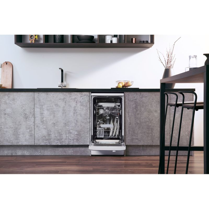 Hotpoint-Dishwasher-Free-standing-LSFF-8M126-UK-Free-standing-A-Lifestyle_Frontal_Open