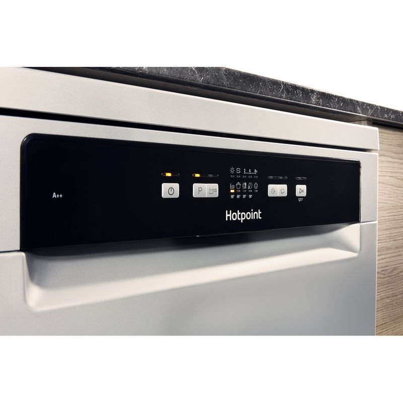 Hotpoint-Dishwasher-Free-standing-HDFC-2B-26-SV-UK-Free-standing-A-Lifestyle_Control_Panel