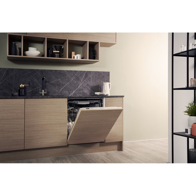 Hotpoint-Dishwasher-Built-in-HIC-3C26-WF-UK-Full-integrated-A---Lifestyle-perspective-open