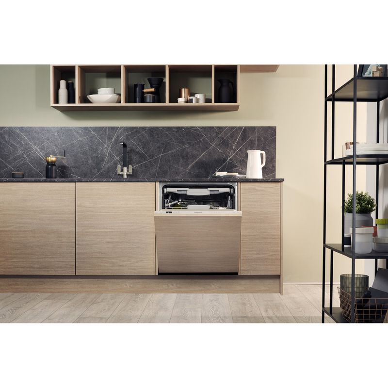 Hotpoint-Dishwasher-Built-in-HIC-3C26-WF-UK-Full-integrated-A---Lifestyle-frontal