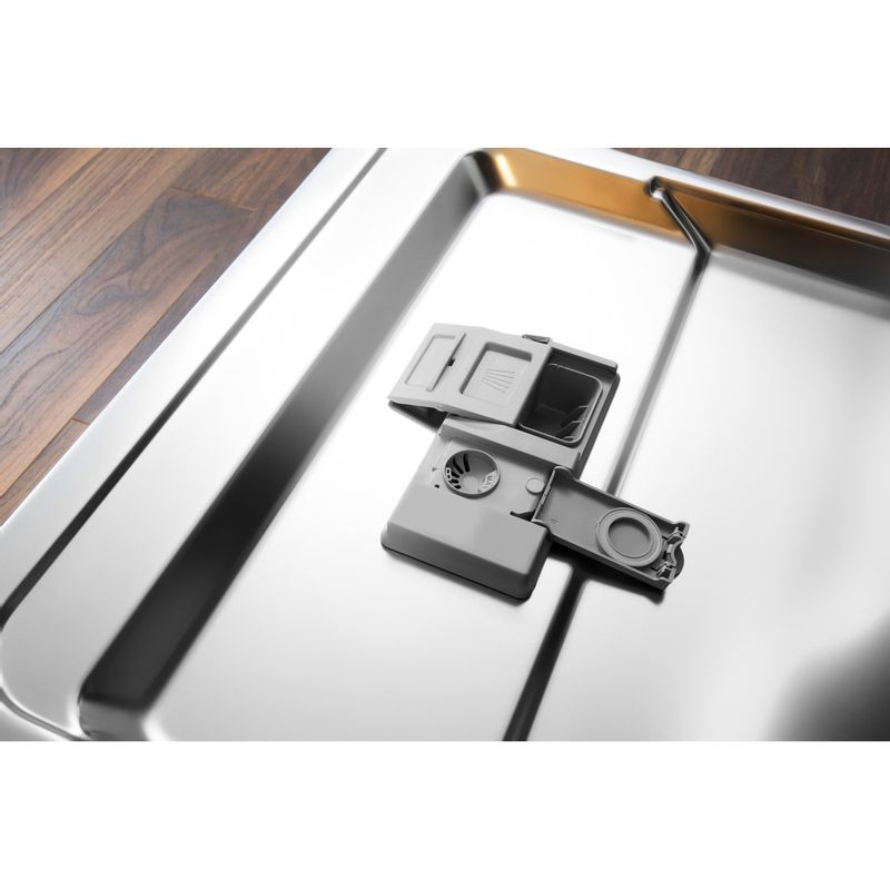 Hotpoint-Dishwasher-Built-in-HIC-3C26-WF-UK-Full-integrated-A---Lifestyle-detail