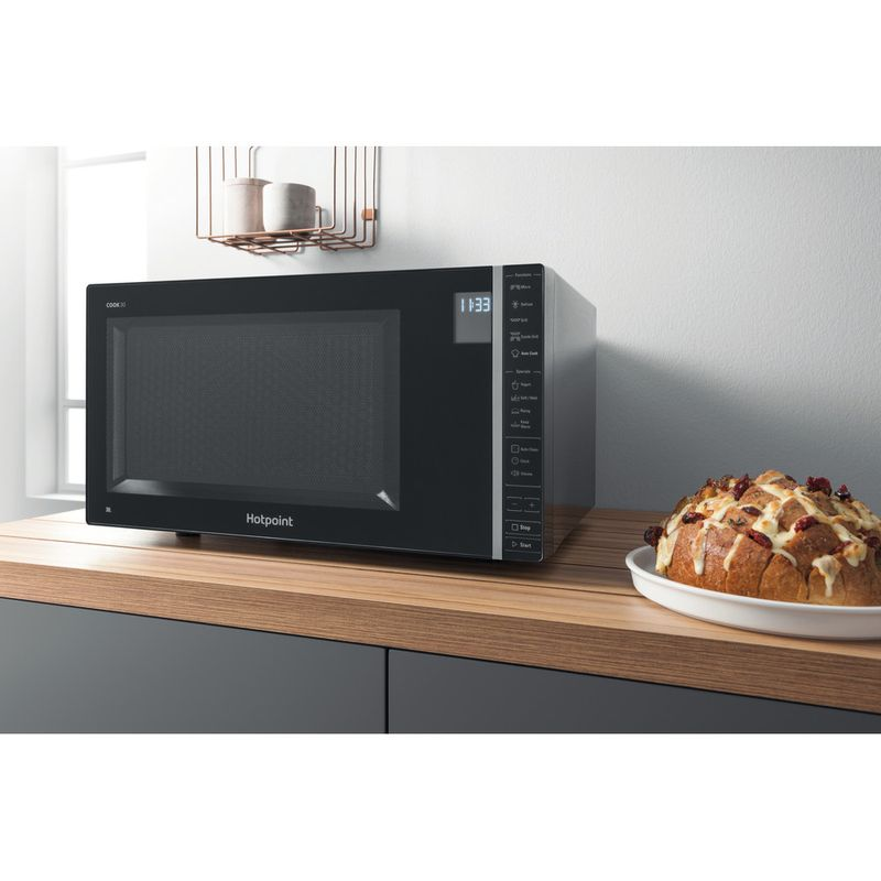 Hotpoint-Microwave-Free-standing-MWH-303-B-Black-Electronic-30-MW-Grill-function-900-Lifestyle_Perspective