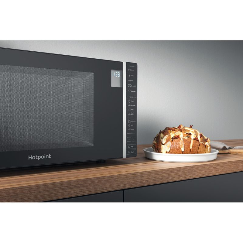 Hotpoint-Microwave-Free-standing-MWH-303-B-Black-Electronic-30-MW-Grill-function-900-Lifestyle_Detail