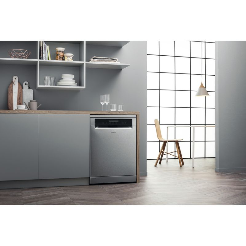 Hotpoint-Dishwasher-Free-standing-HFP-4O22-WG-C-X-UK-Free-standing-A---Lifestyle_Perspective