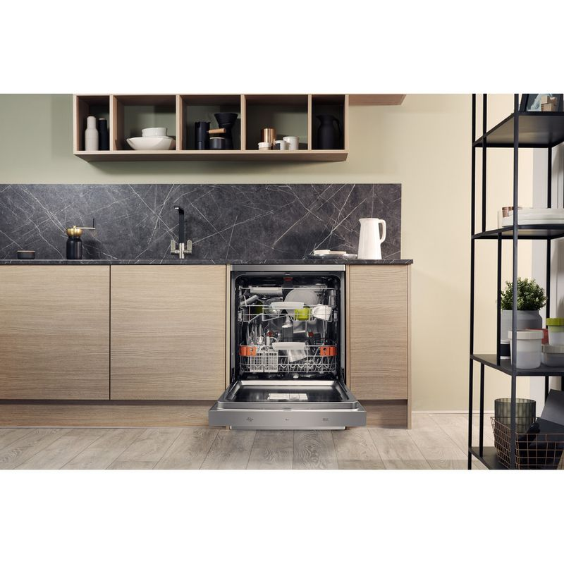 Hotpoint-Dishwasher-Free-standing-HFP-4O22-WG-C-X-UK-Free-standing-A---Lifestyle_Frontal_Open