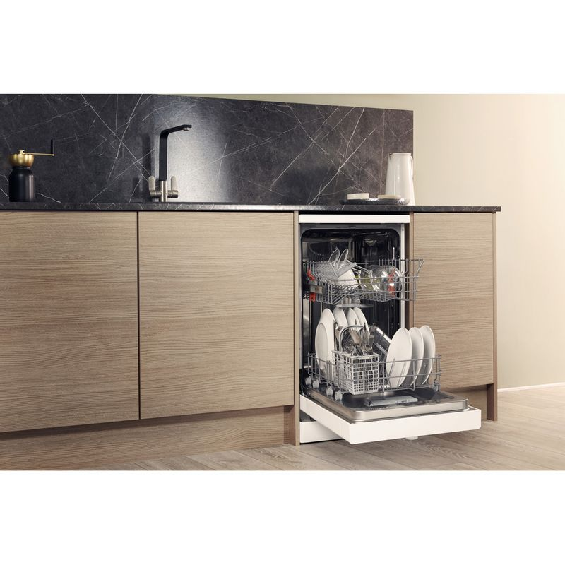 Hotpoint-Dishwasher-Free-standing-HSFE-1B19-UK-Free-standing-A--Lifestyle-perspective-open