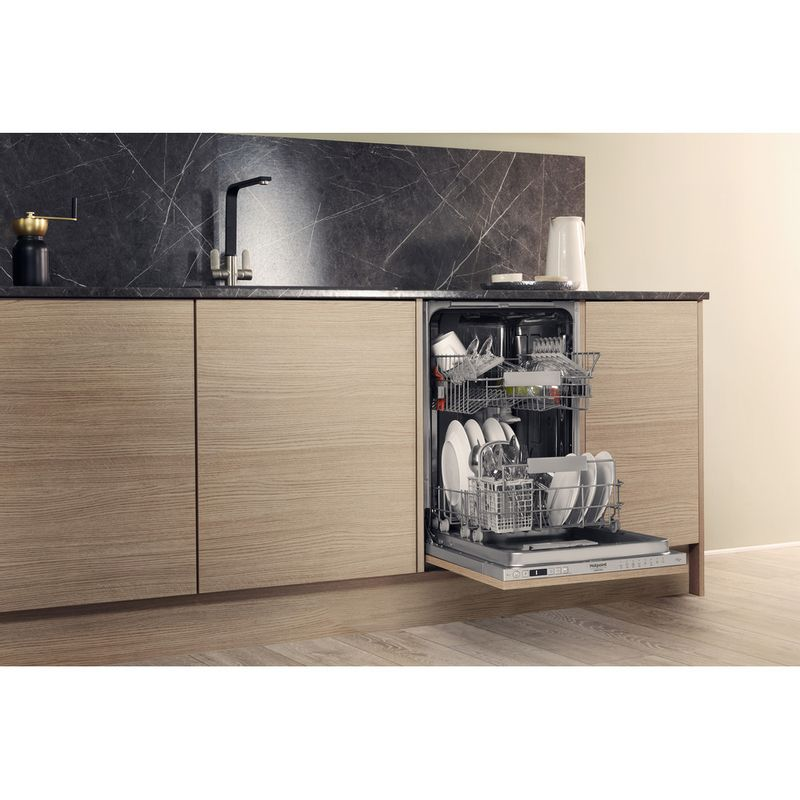 Hotpoint-Dishwasher-Built-in-HSIC-3T127-UK-Full-integrated-A---Lifestyle_Perspective_Open