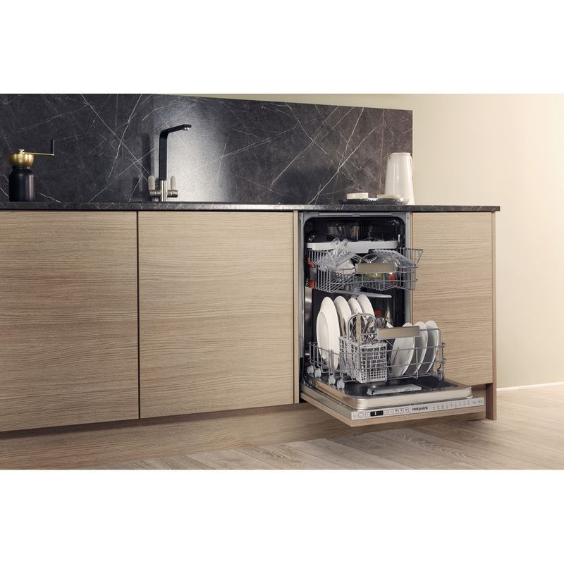 Hotpoint-Dishwasher-Built-in-HSIO-3T223-WCE-UK-Full-integrated-A---Lifestyle-perspective-open
