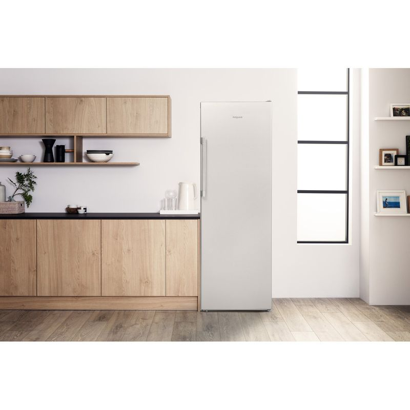 Hotpoint-Refrigerator-Free-standing-SH6-A1Q-GRD-UK.1-Graphite-Lifestyle-frontal