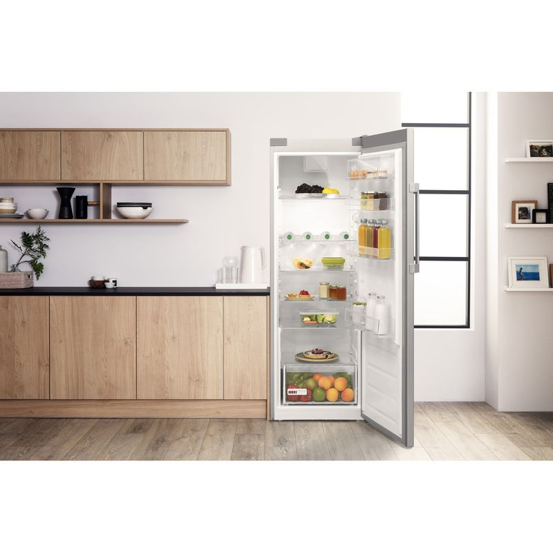 Hotpoint-Refrigerator-Free-standing-SH6-A1Q-GRD-UK.1-Graphite-Lifestyle-frontal-open