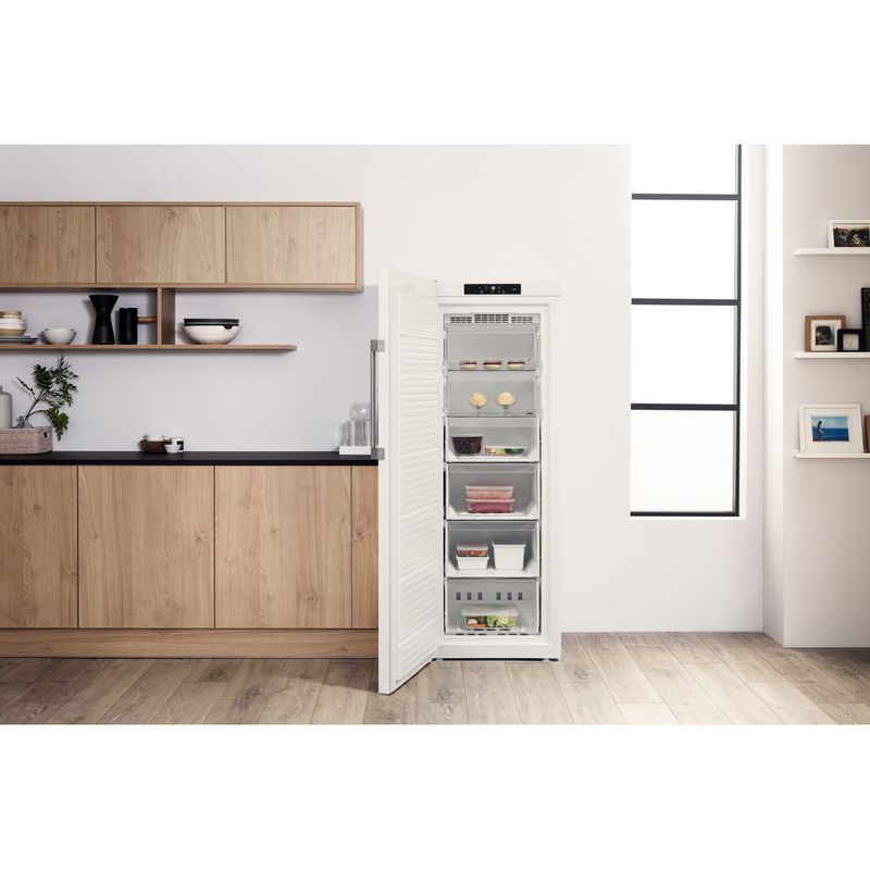 Hotpoint-Freezer-Free-standing-UH6-F1C-W-UK.1-Global-white-Lifestyle-frontal-open