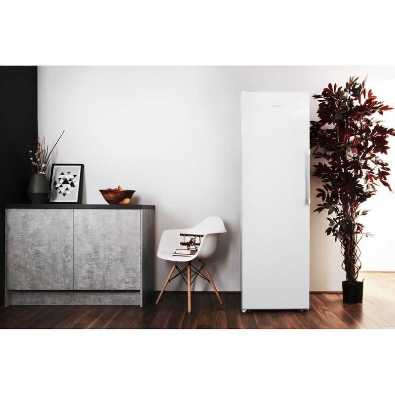Hotpoint-Freezer-Free-standing-UH8-F1C-W-UK.1-Global-white-Lifestyle-frontal