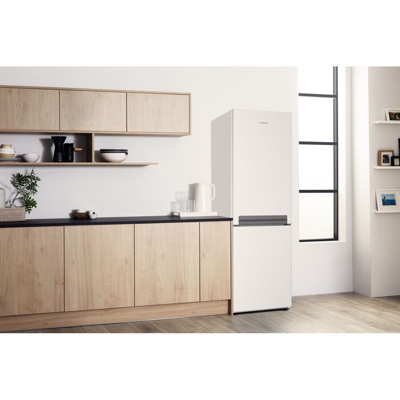 Hotpoint-Fridge-Freezer-Free-standing-H8-A1E-W-UK.1-White-2-doors-Lifestyle-perspective