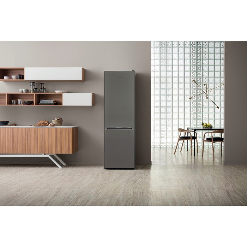 Hotpoint-Fridge-Freezer-Free-standing-H8-A1E-SB-UK.1-Silver-Black-2-doors-Lifestyle-frontal