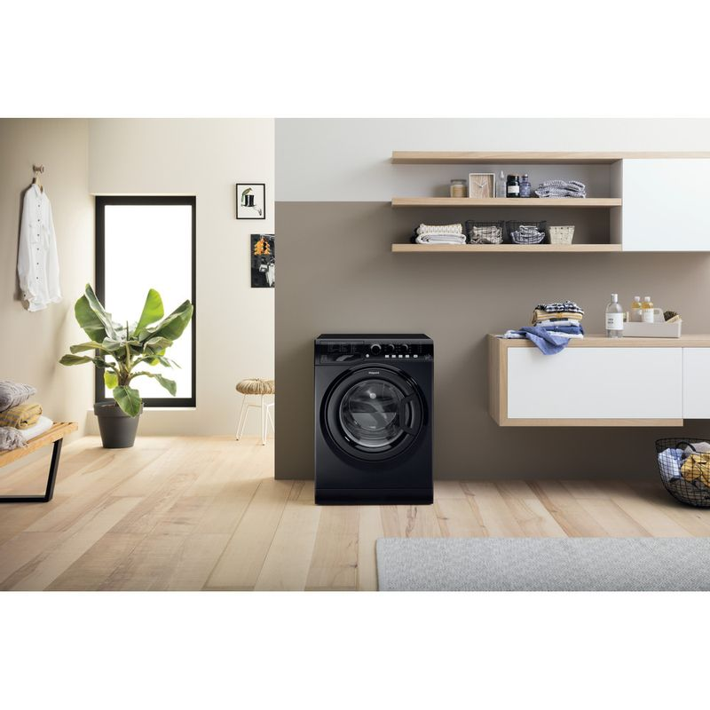 Hotpoint-Washing-machine-Free-standing-FML-842-K-UK-Black-Front-loader-A---Lifestyle_Frontal