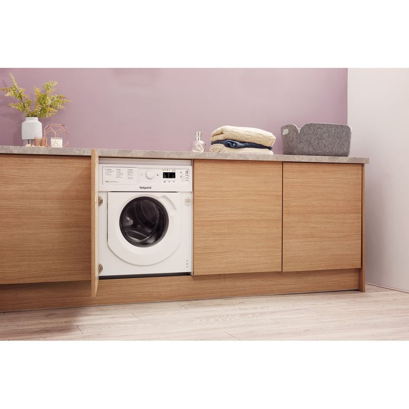 Hotpoint-Washer-dryer-Built-in-BI-WDHG-7148-UK-White-Front-loader-Lifestyle-perspective