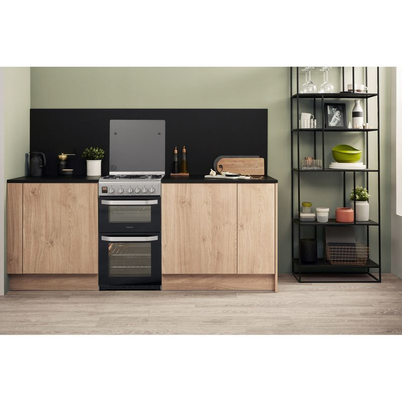 Hotpoint-Double-Cooker-HD5G00CCSS-UK-Silver-A--Enamelled-Sheetmetal-Lifestyle-frontal