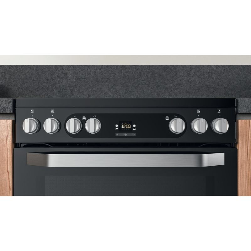 Hotpoint-Double-Cooker-HDM67V9HCB-U-Black-A-Lifestyle-control-panel